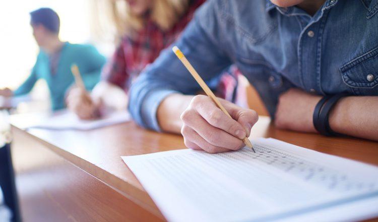 Questão Avaliativa School Escola