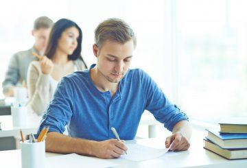 Avaliação Students of highschool writing examination test in college