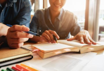 Qual a diferença entre gestão pedagógica e gestão escolar